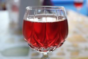 Ein Glas Lambrusco passt zu vielen Gelegenheiten